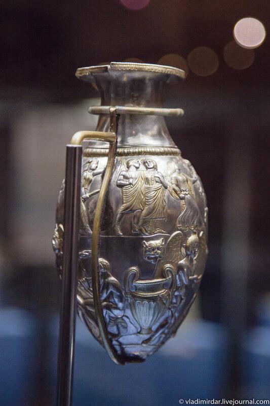 Серебряный кувшин-ритон