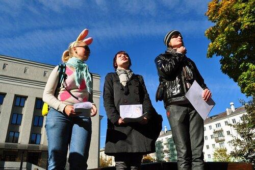 В центре Минска обнялись друг с другом более 500 человек