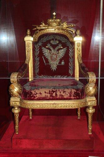Тронное кресло