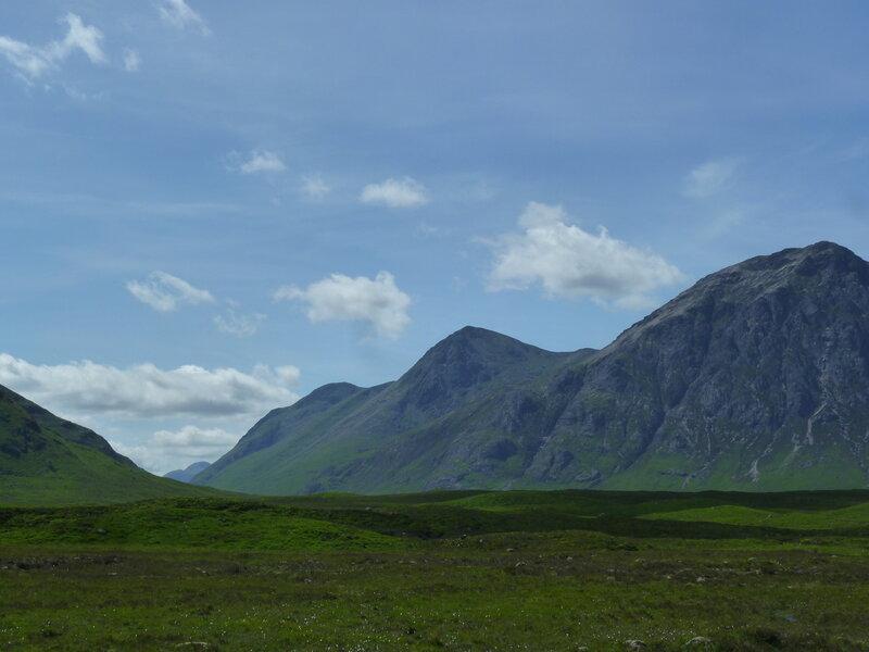 Горы Три Сестры в долине Гленко