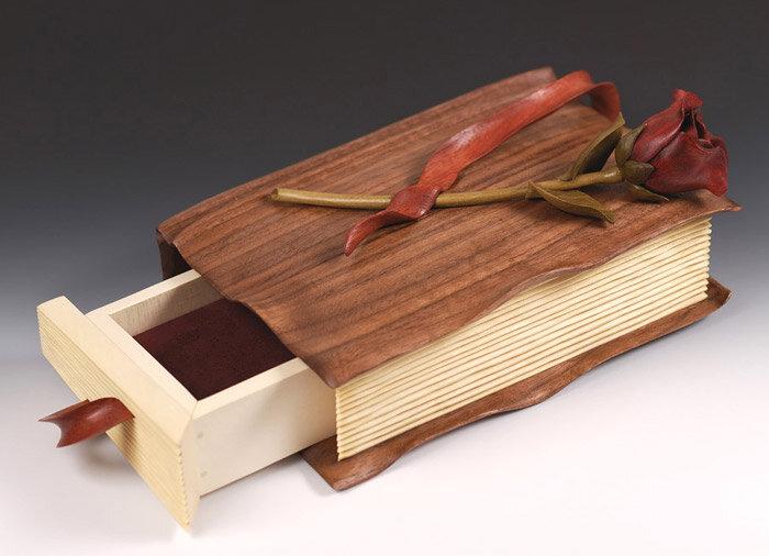 шкатулка из дерева