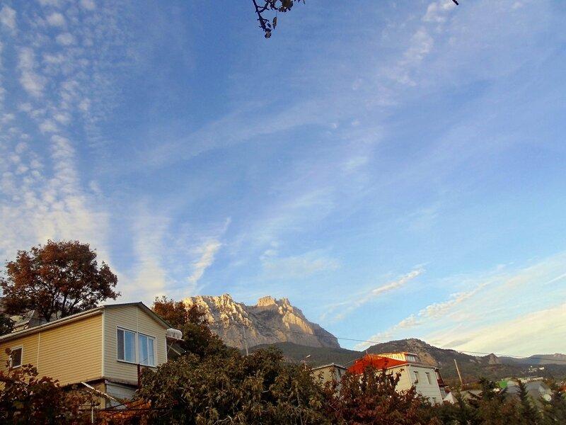 Октябрьские тёплые деньки в Алупке