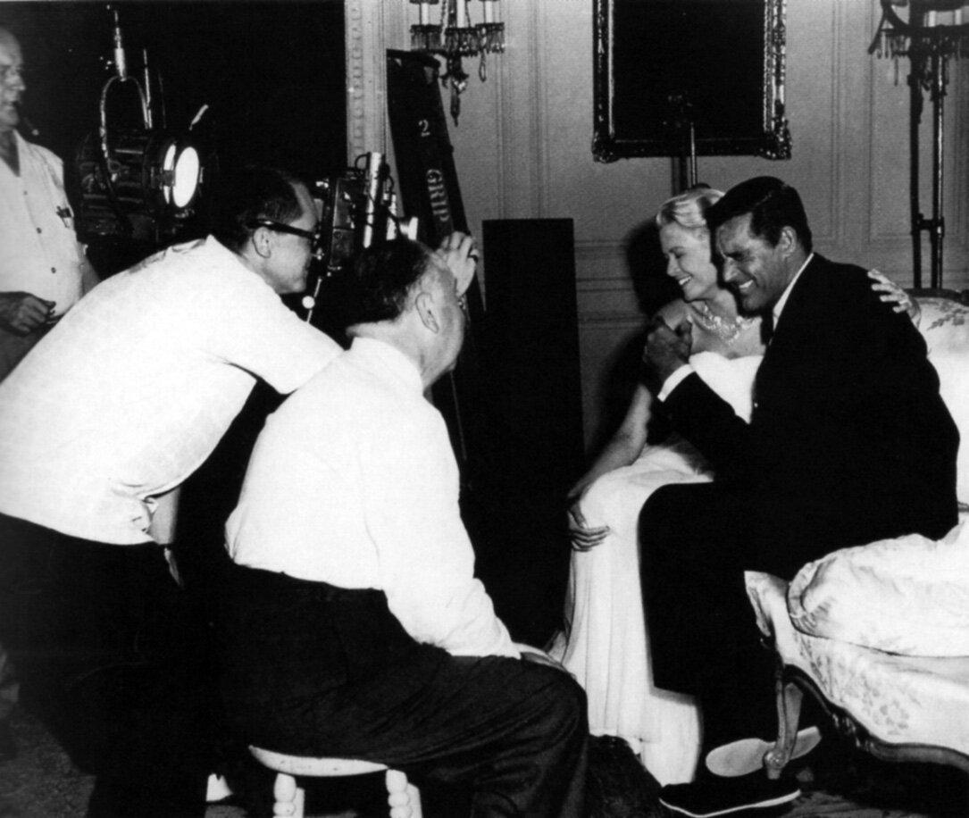 1955. Альфред Хичкок, Кэри Грант и Грейс Келли на съемках фильма «Поймать вора»