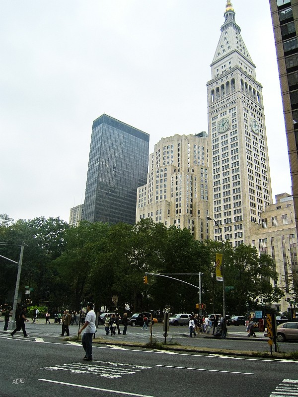 The Metropolitan Life Insurance Company Tower (также Met Life Tower) — высочайшее здание Нью-Йорка с 1909 по 1913 год.