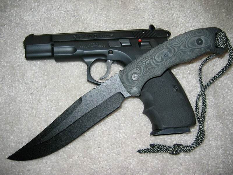 Поэтому сейчас, мы - правые Национал-Социалисты, должны иметь оружие (минимум нож, который должен быть всегда.