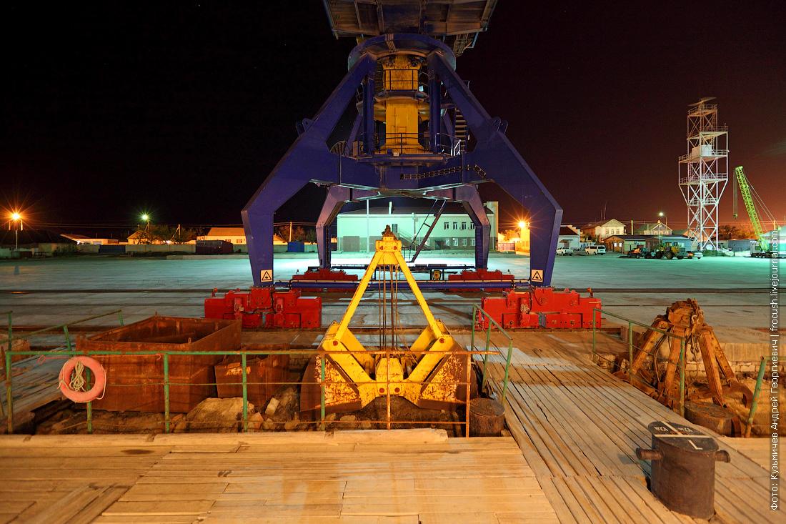 ночное фото Казахстан порт Баутино