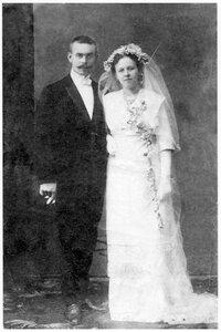 М.А. и И.Ю. Соберг в день бракосочетания. Архангельск. 1912 г.