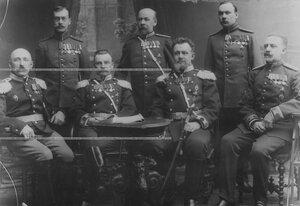 Группа офицеров медицинского, ветеринарного и интендантского состава бригады.