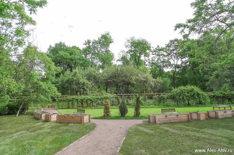 Деревянные клумбы оригинального дизайна
