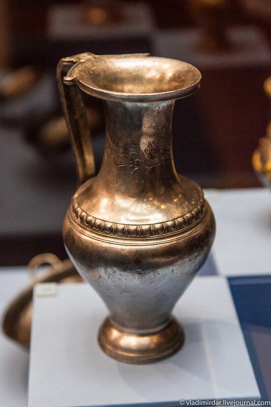 Серебряный фракийский кувшин. IV в. до н.э.