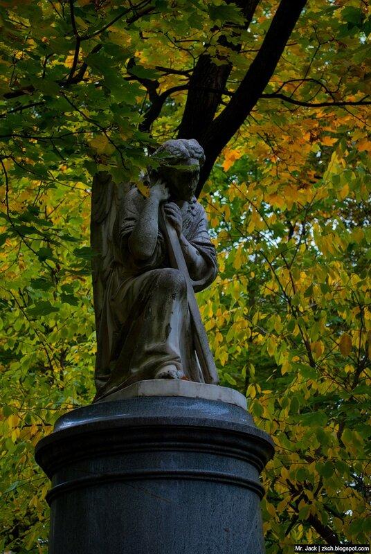 Ангел над могилой Юлии Штиглиц.