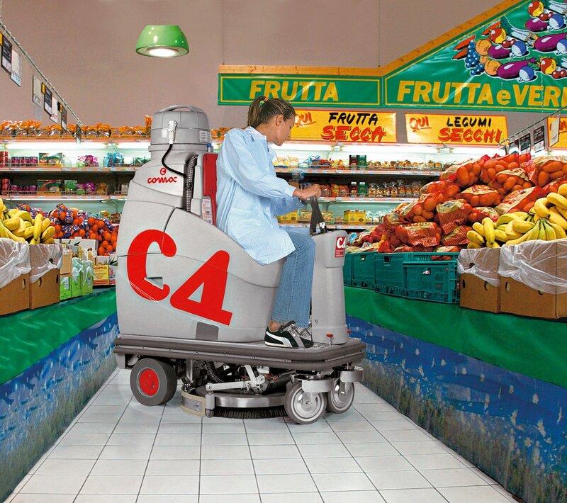 Comac поломоечная машина уборка торгового зала