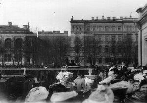 Вид Конногвардейского бульвара  в день полкового праздника и парада.