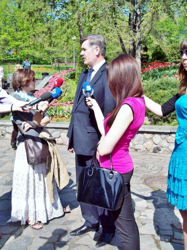 александр мазурчак открывает выставку тюльпанов