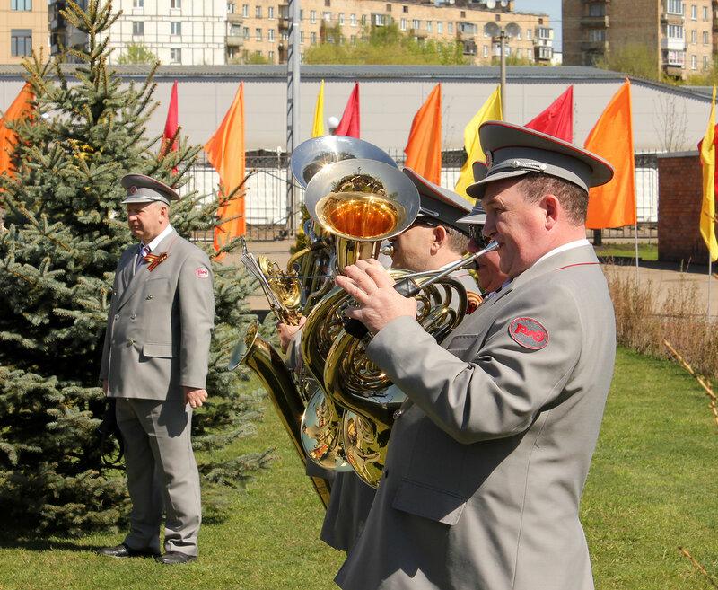 Оркестр на открытии памятника в Депо Подмосковная, Москва.