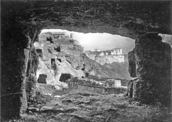 Мёртвый город Чуфут-Кале, близ Бахчисарая