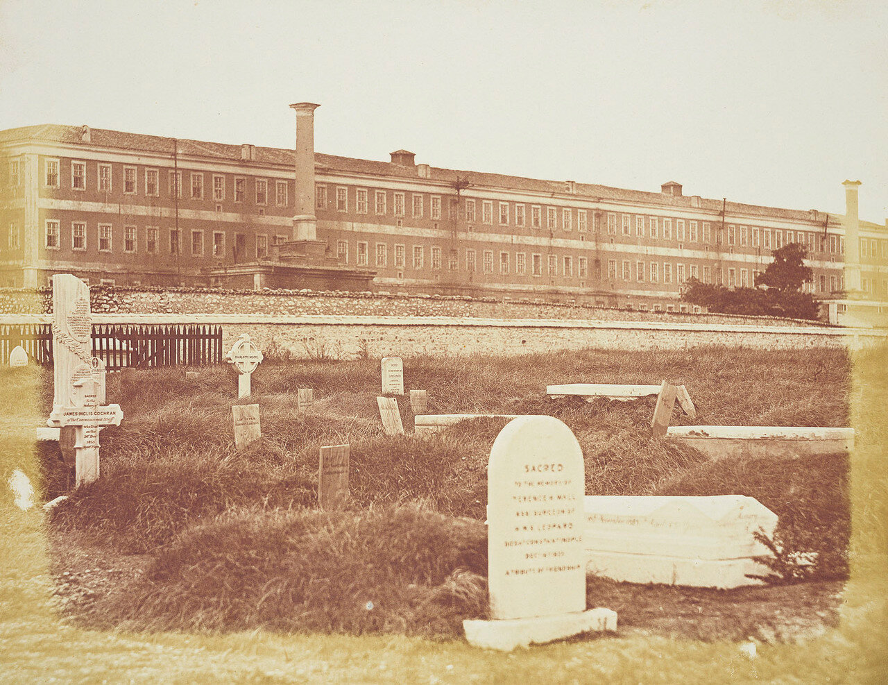 Кладбище Хайдарпаша возле больничного комплекса Скутари в Константинополе