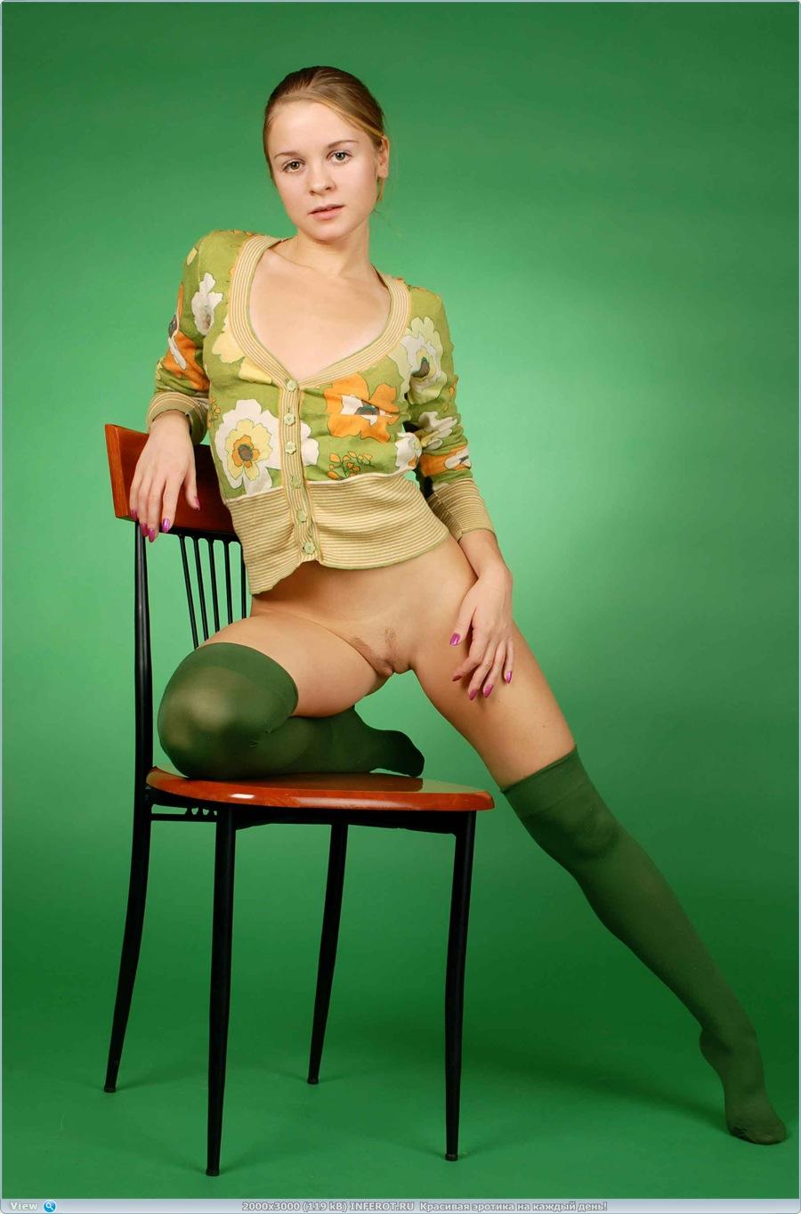 Эротика в зеленых тонах (20 фото)