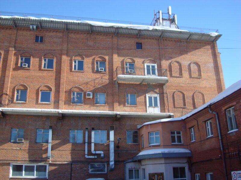 Основное здание (выходит на ул. III интернационала)