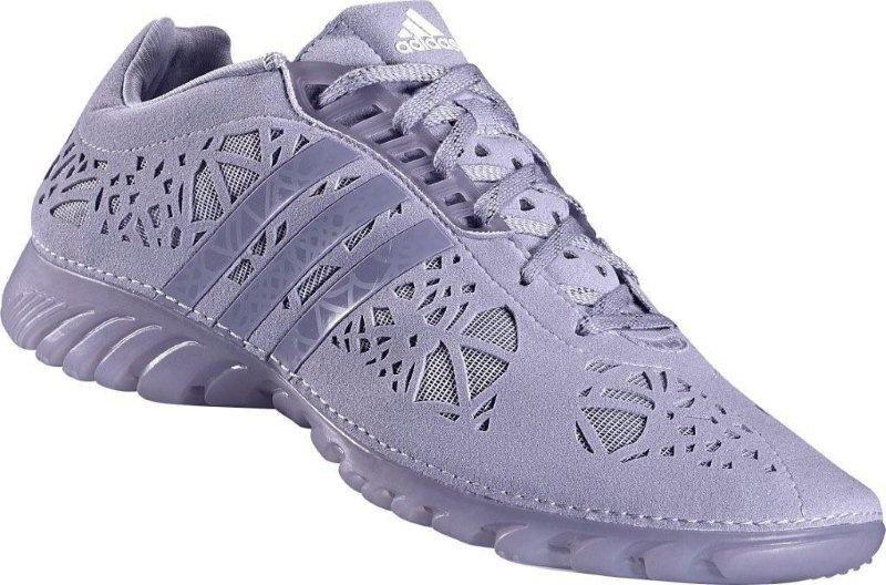 Новая коллекция весна-лето 2011 Womens TechFit™ от adidas