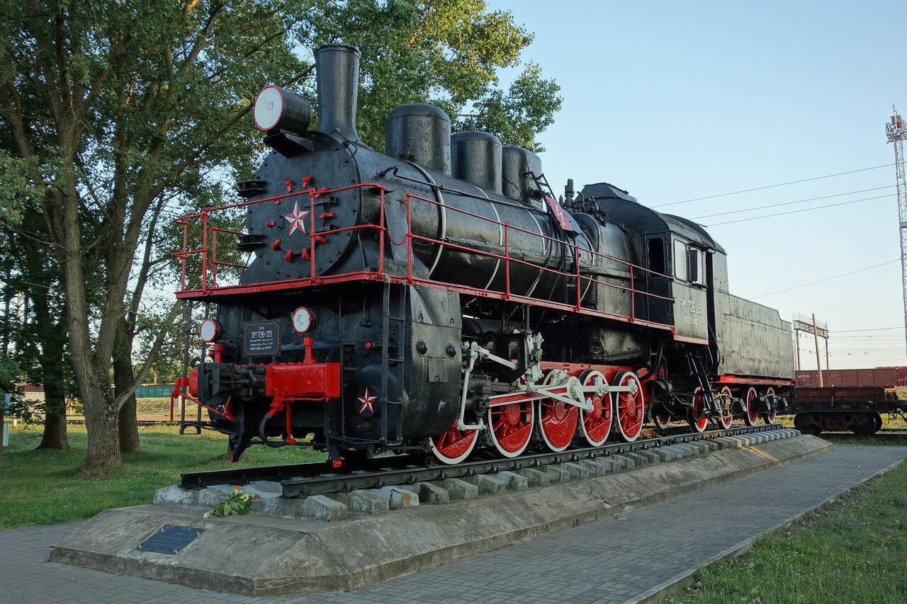 паровоз Эм 726-23
