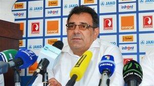 Официально представлен новый тренер сборной по футболу РМ