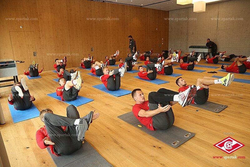 Вечерняя тренировка «Спартака» на сборе в Швейцарии