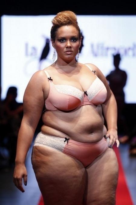 Фото толстушек нижним белье фото 80-54
