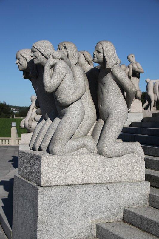 Осло, Парк Вигеланда, Монолит