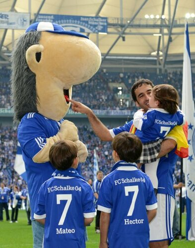Raul con hijos 15