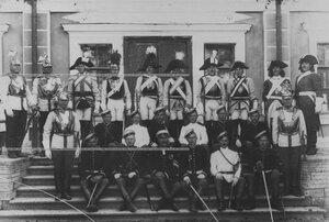 Группа солдат в исторических формах полка (1702-1902 гг.).