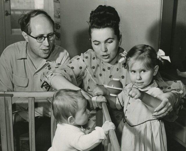 Мстислав Ростропович и Галина Вишневская с детьми