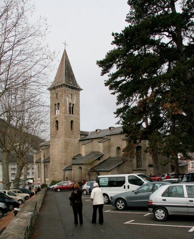 Церковь в городе Акс-ле-Терм
