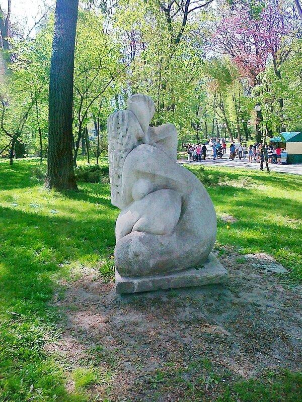Парковая скульптура в Мариинском парке