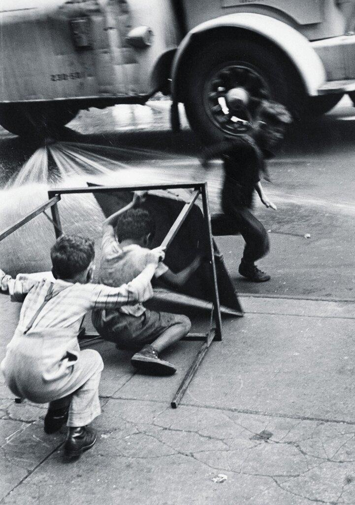 by Helen Levitt, 1940