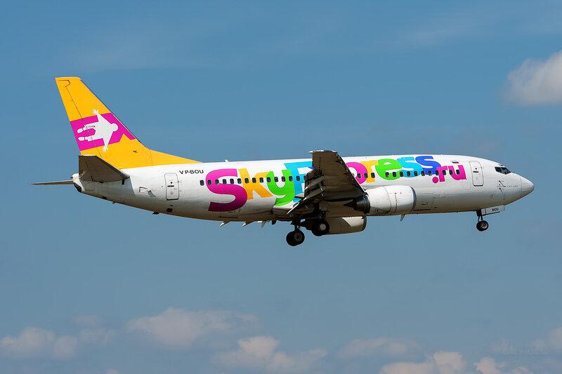 Boeing 737-341 (VP-BOU) Sky Express DSC_3764a