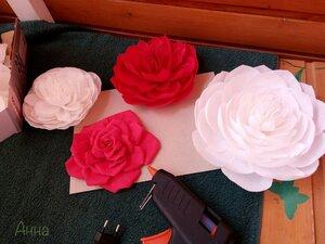 Цветы из бумаги, работа дочери