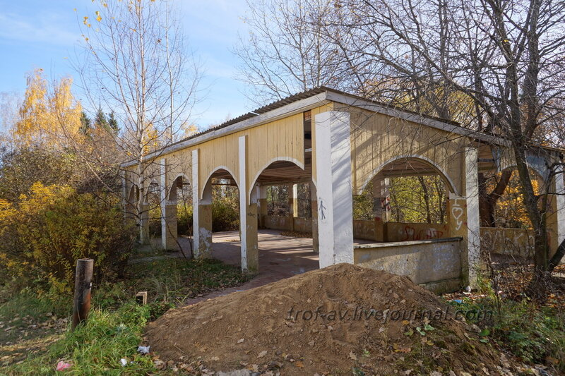 Терасса справа от дома, Усадьба Любвино, Тучково