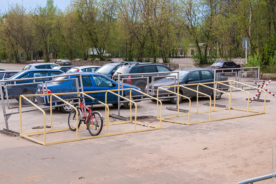 Саров велосипедная стоянка