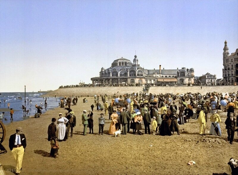 The beach and the Cursaal, Ostend, Belgium, ca. 1890-1900.jpg