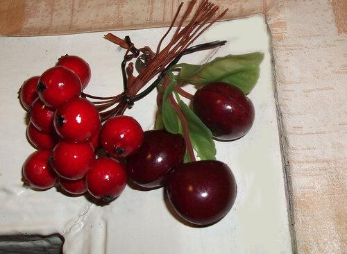 Красные ягоды и фрукты
