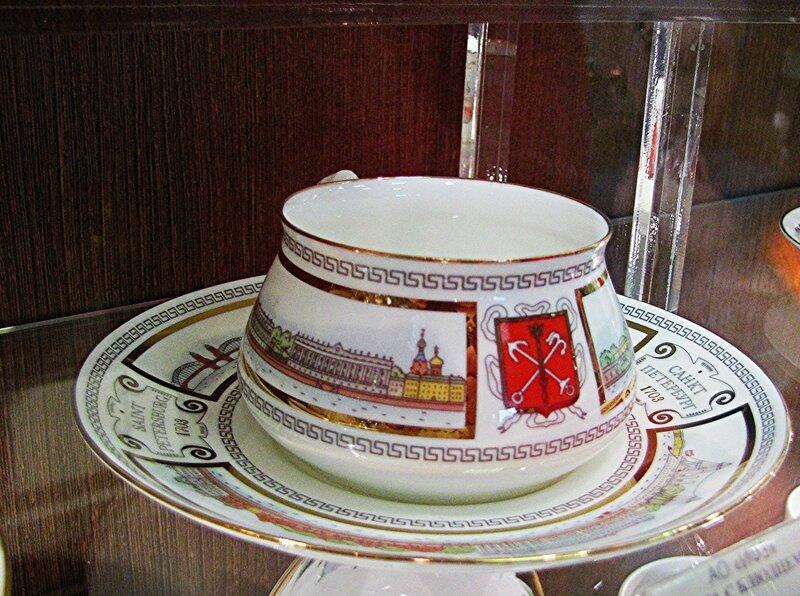 """Чашка с блюдцем """"Невские берега"""""""