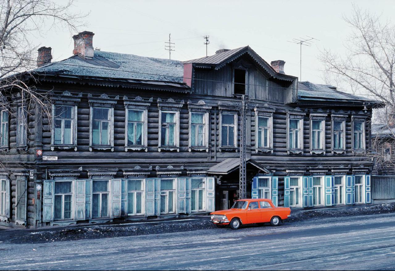 Иркутск. Угол улиц Тимирязева и Лапина