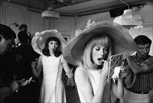 Set of Les Demoiselles de Rochefort (The young girls of Rochefort (The young girls of Rochefort)  Francoise Dorleac, Catherine Deneuve \B/W 13463