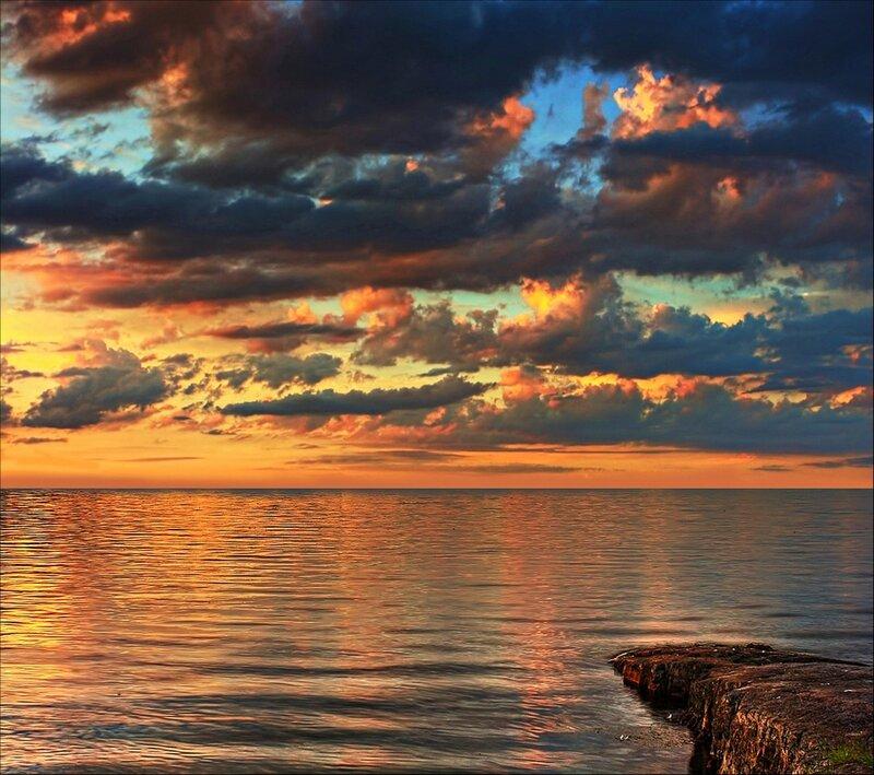 Позолота морского заката