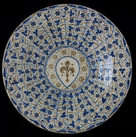 Блюдо с гербом Флоренции