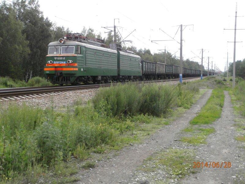 Электровоз ВЛ11м-214 на перегоне