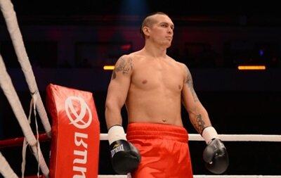 Украинский боксер победил мексиканца Фелипе Ромеро