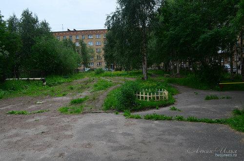 Фото города Инта №8084  Двор Воркутинской 2 02.07.2015_17:14