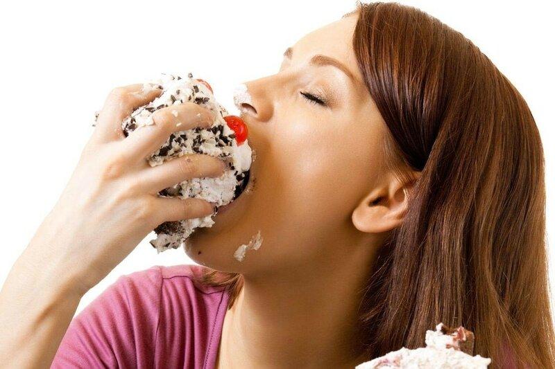 Как уменьшить количество еды, которую вы съедаете каждый день